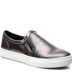 0db8d7248f5 Everything Is Good Steve Madden Slip-On Sneaker